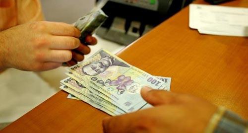 Salariul minim creşte la 1.250 de lei de la 1 mai 2016