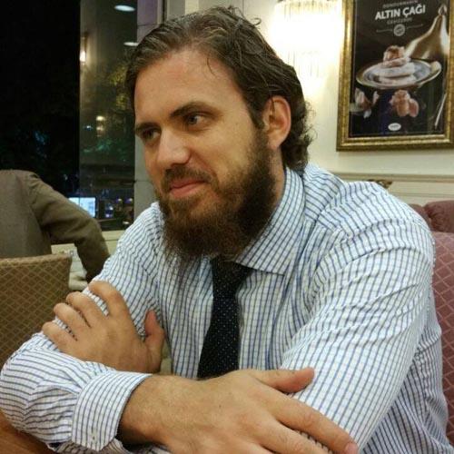 Un fost fotbalist de la Olimpia predică Islamul în lume