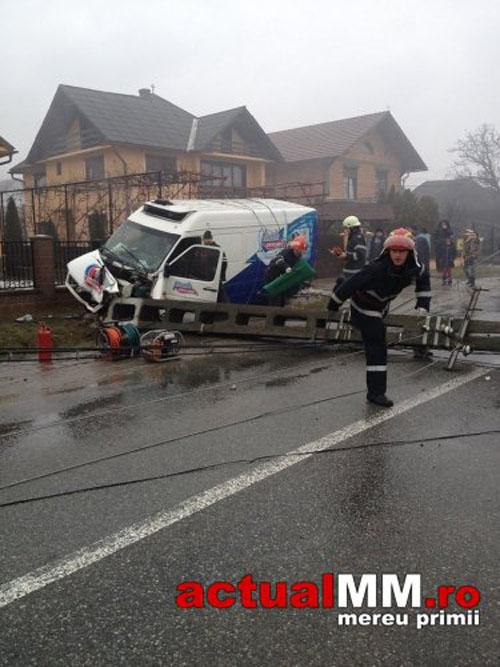 Șofer de la Unicarm implicat într-un accident în Maramureș (Foto)