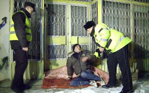 Patrulare nocturnă pentru ajutorarea persoanelor fără adăpost