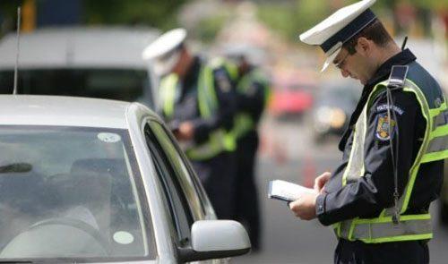 Polițiștii au făcut ravagii printre șoferi. 30 de permise reținute