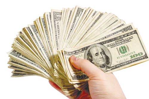 Dolarul se pregăteşte să-şi depăşească propriul record