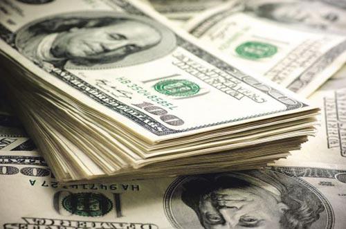 Dolarul a revenit pe creștere