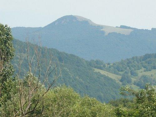 Noi trasee turistice marcate în munții din Țara Oașului