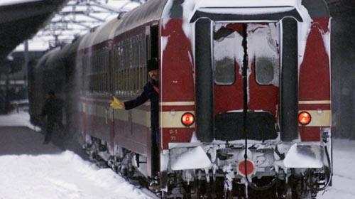 Trenul Satu Mare-București întârzie 150 de minute din cauza viscolului