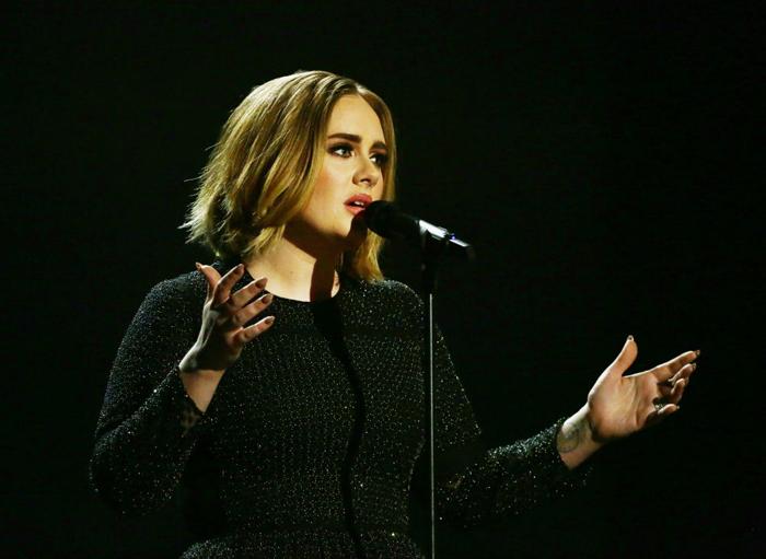 Vezi câștigătorii premiilor industriei muzicale britanice (Video)