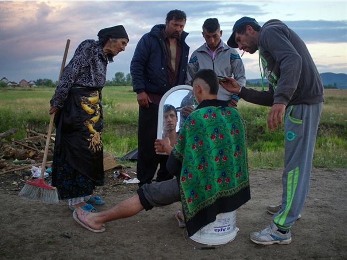 """""""Ciurdarii satului"""" au ajuns în China: Remus Țiplea, ambasadorul fotografiei din România (Foto)"""