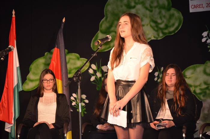 """Câştigătorii concursului de recitări organizat cu ocazia """"Zilei Limbii Materne"""" la Carei"""