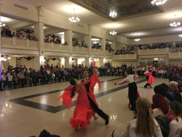 Spectacol la finalul campaniei caritabile Loga Dance School