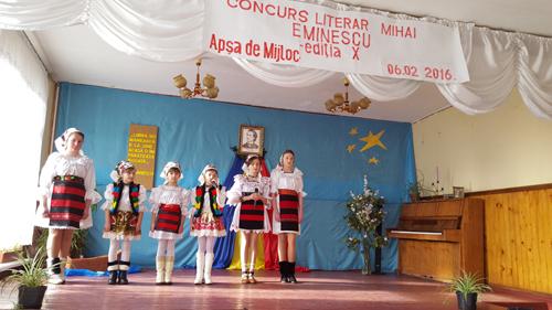 """Concursul literar """"Mihai Eminescu"""", la românii din dreapta Tisei"""