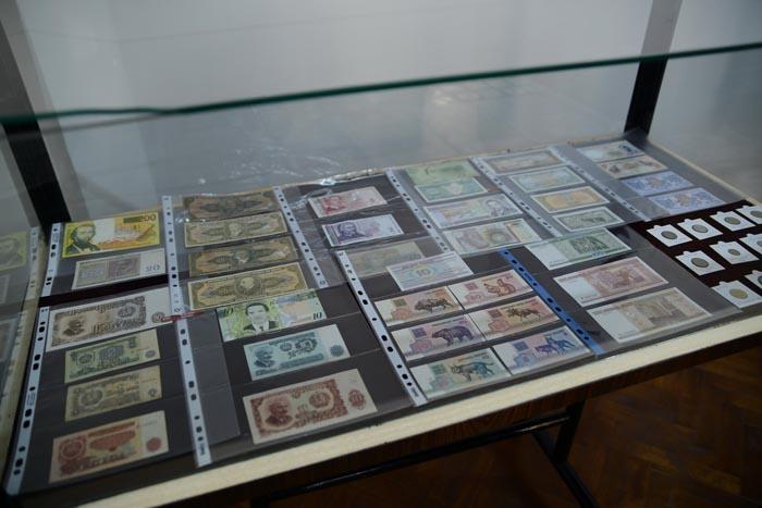 Expoziție de bancnote la Castelul din Carei