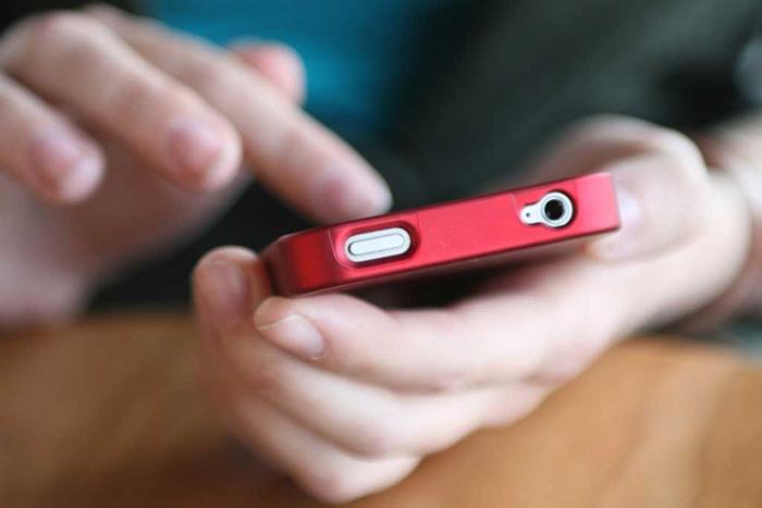 Au furat două telefoane dintr-un liceu din Carei
