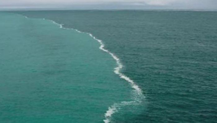 Quran – granița dintre două oceane