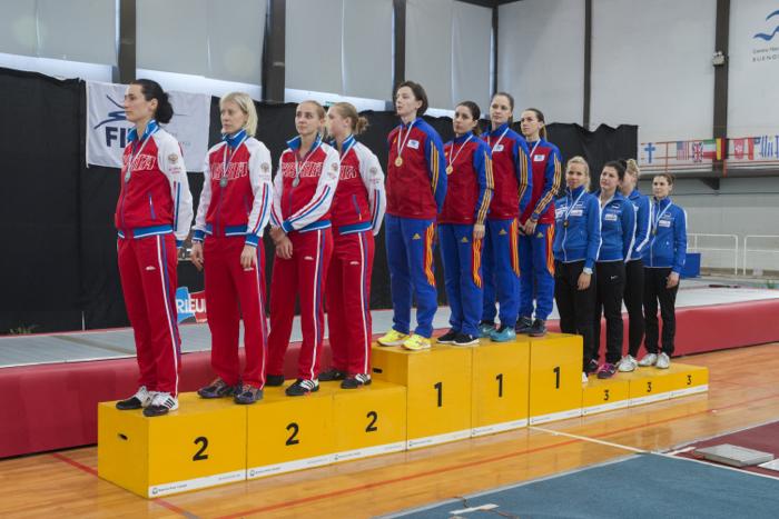 Guvernul României a felicitat spadasinele pentru aurul de la Buenos Aires