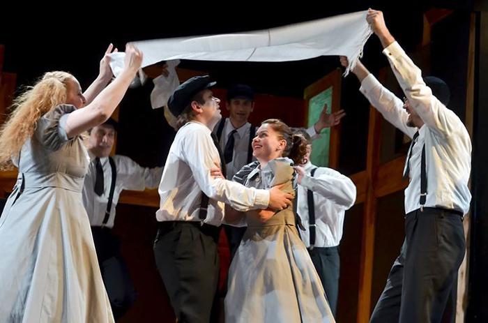 """Teatrul """"Szigligeti"""" din Oradea evoluează din nou la Satu Mare"""