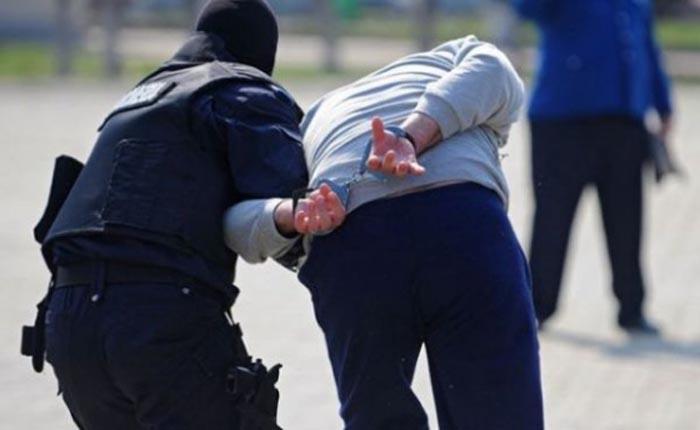 Tâlhar de 17 ani, prins de polițiști