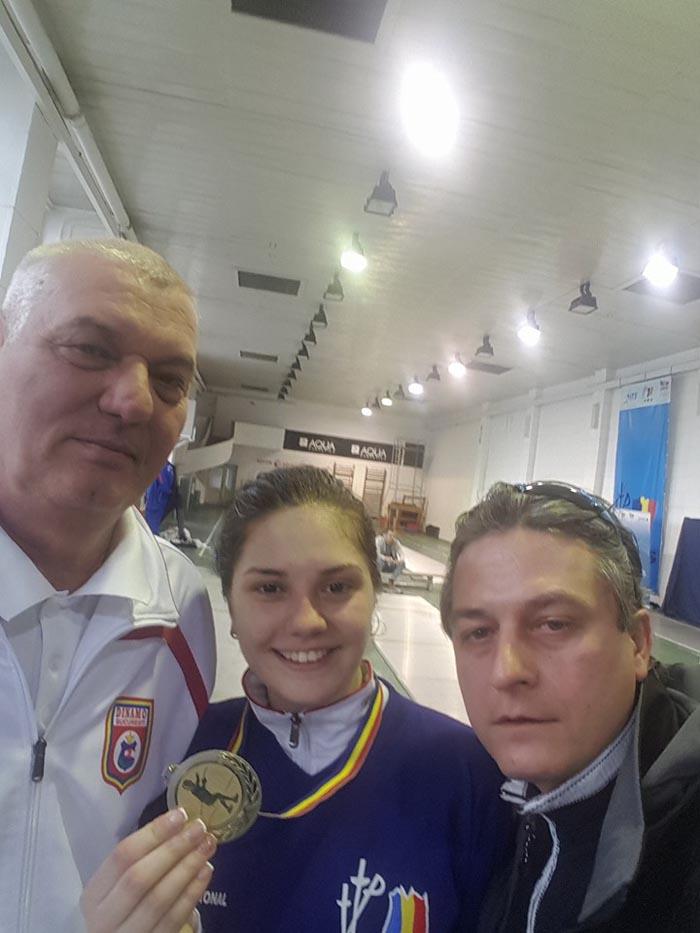 Amalia Tătăran, medalie de aur la Campionatul Național de spadă pentru tineret