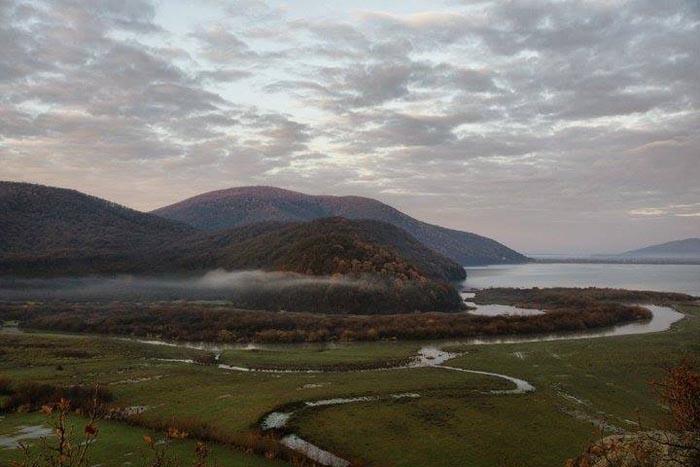 Imagini de poveste cu barajul din Călinești-Oaș (Foto)
