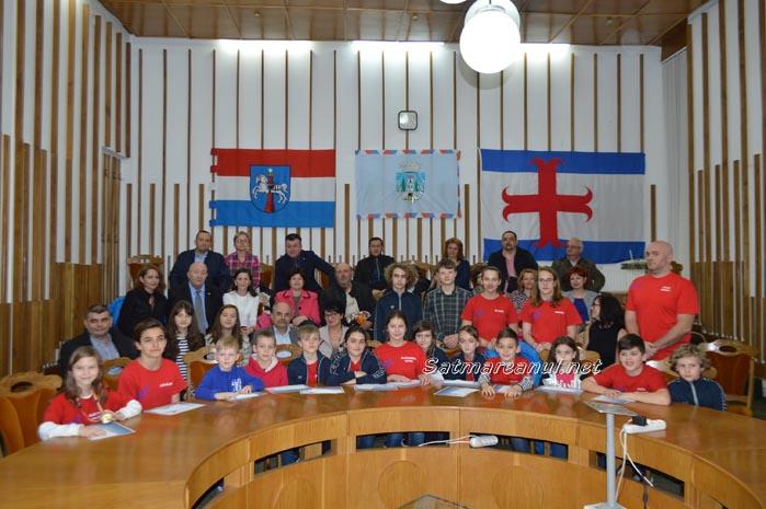 Înotătorii de la CSM Satu Mare, premiați de primarul Dorel Coica (Foto&Video)