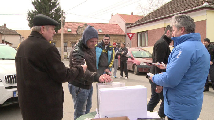 Azi la stadion: Sătmărenii au donat bani pentru a-l ajuta pe Dragoș