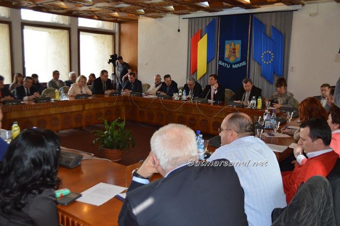 Consilierii județeni au aprobat modificări ale unor state de funcții