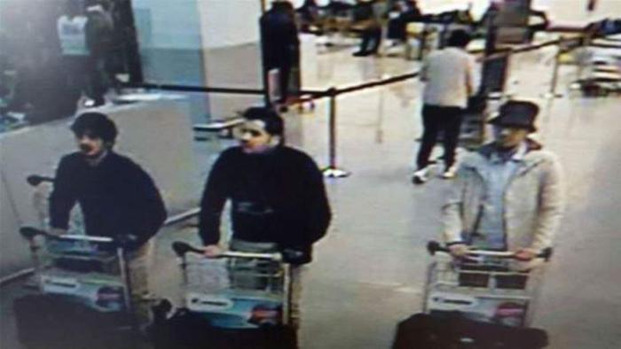Fotografie cu posibilii autori ai atentatelor de pe aeroportul din Bruxelles