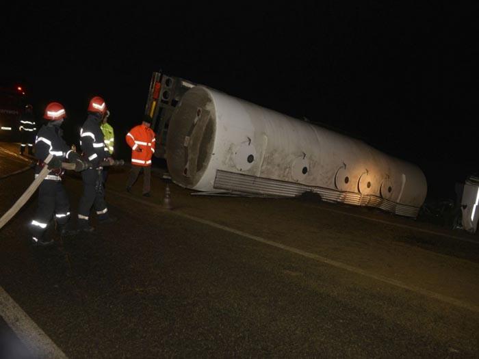 O cisternă s-a răsturnat pe drumul Satu Mare-Sighetu Marmației