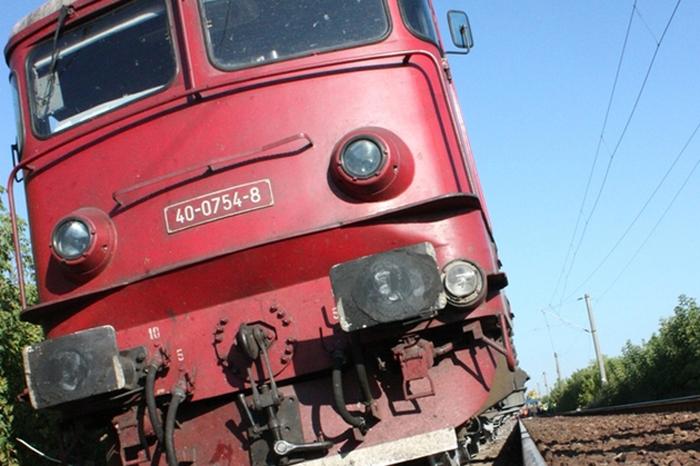 Locomotiva trenului București Nord – Satu Mare a deraiat