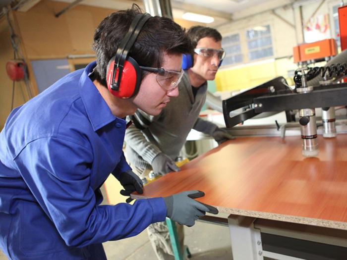 Patru fabrici de mobilă din Satu Mare, în TOP-ul celor mai mari exportatori