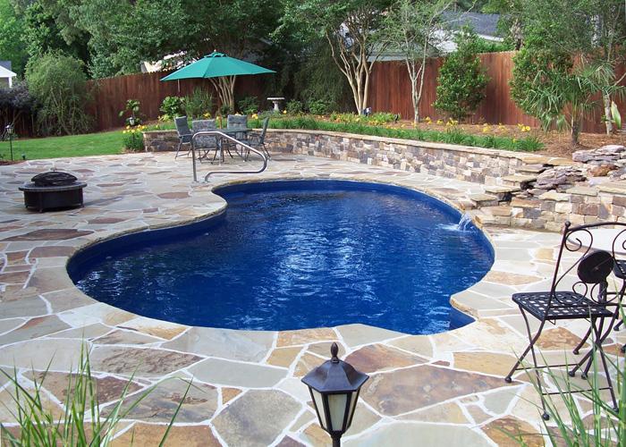 Piscine din fibra de sticla VS piscine din beton
