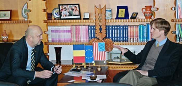 Atașatul politic al Ambasadei SUA la București, în vizită la Satu Mare