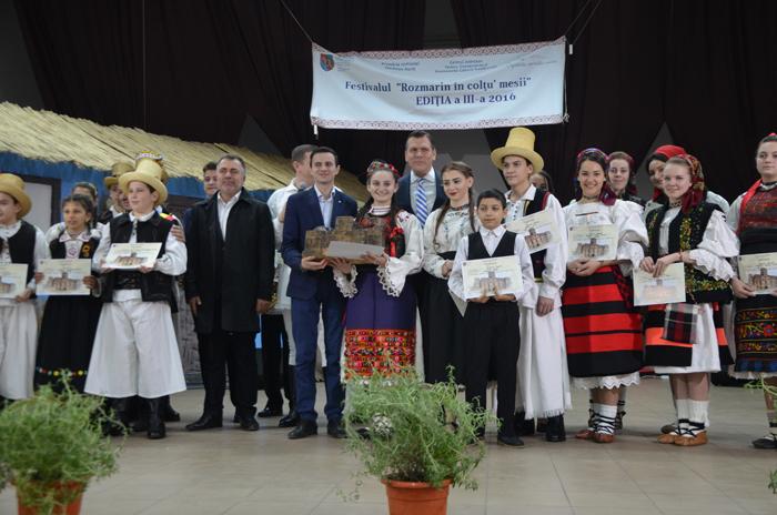 """Vezi premianții concursului """"Rozmarin în colţu' mesii"""" (Foto)"""