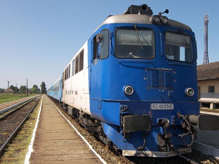 Zeci de trenuri pentru elevii care încep școala. 5 vor circula în judetul Satu Mare