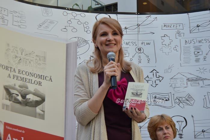 Deputatul Andreea Paul și-a lansat cartea la Satu Mare (Foto)
