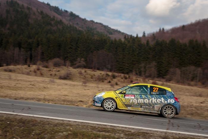 """Echipajul """"Shark Racing"""" ajunge pe cel mai înalt drum din România"""