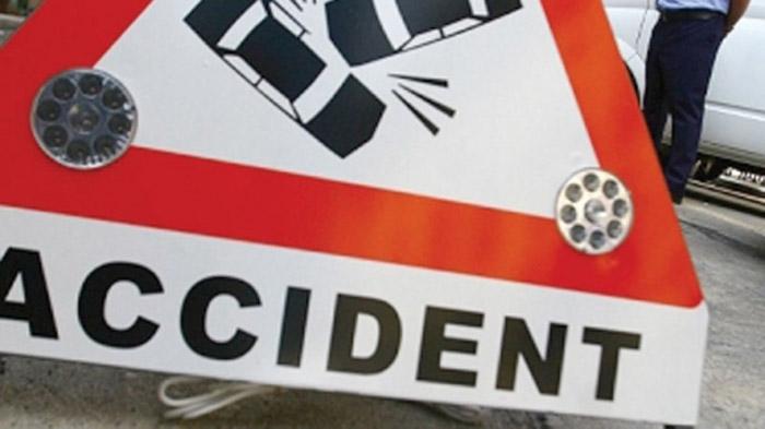 Șofer beat, a lovit cu autoutilitara o altă mașină