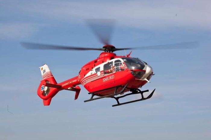 Una dintre victimele accidentului de la Carei, transportată cu elicopterul la Timișoara
