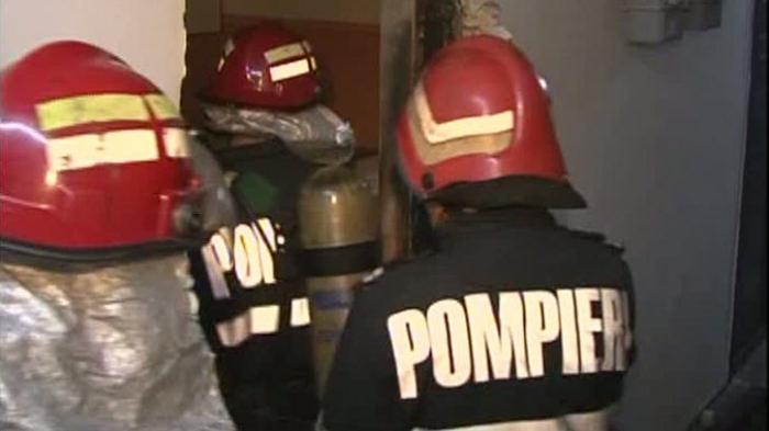 Pompierii, puși pe jar de o femeie beată