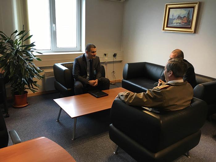 Sătmăreanul Gabriel Leș a participat la conferinţa Directorilor Naţionali pentru Armamente de la Bruxelles