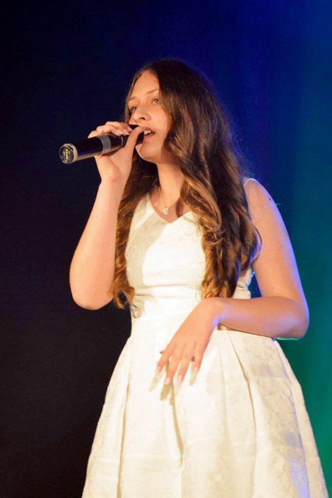 Careianca Niculina Pop, premiată la un concurs de muzică