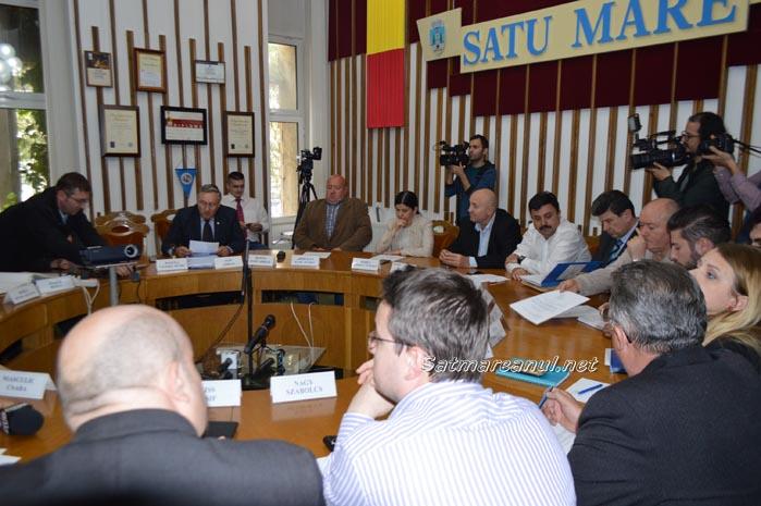 Consilierii municipali au respins rezilierea contractului cu Țânțaș