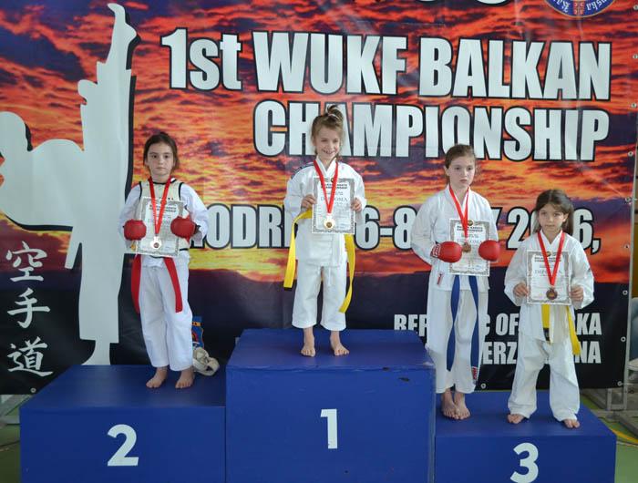 14 medalii pentru CSM Satu Mare la Campionatul Balcanic de Karate
