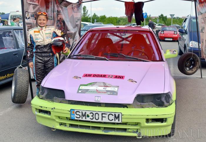 O sătmăreancă de 12 ani, cea mai tânără concurentă la Rally Sprint Bihor 2016 (Foto&video)