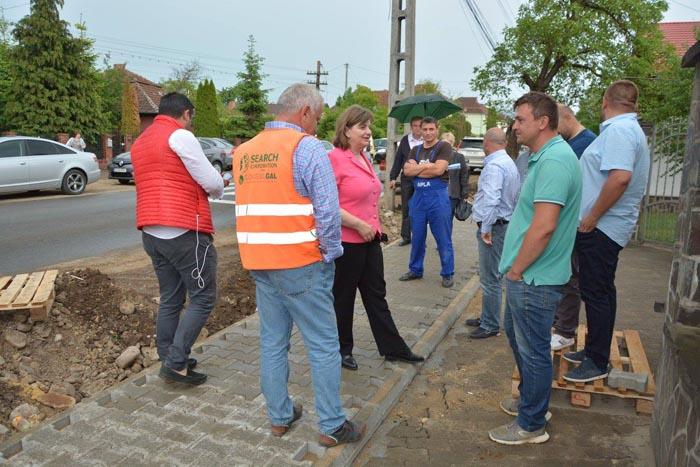 Modernizarea străzilor și trotuarelor, o prioritate pentru primarul Aurelia Fedorca (Foto)