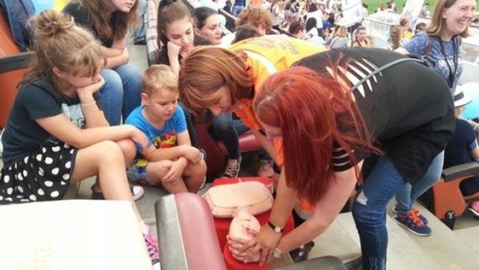 Cel mai mare curs de resuscitare din România, organizat pe Arena Națională (foto&video)