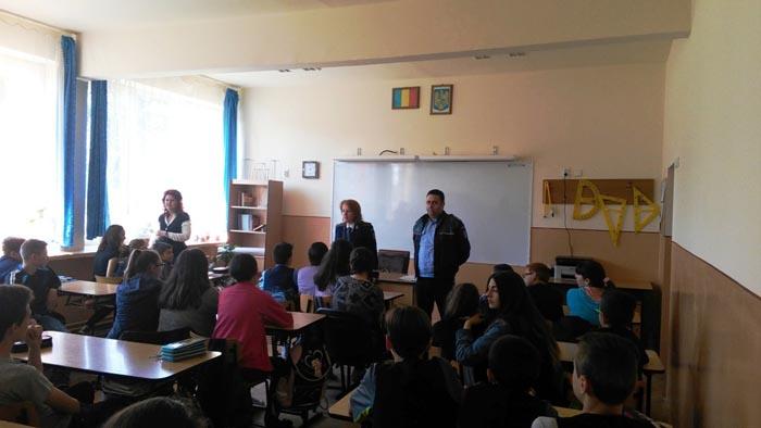 Elevii invitați să lupte împotriva faptelor antisociale