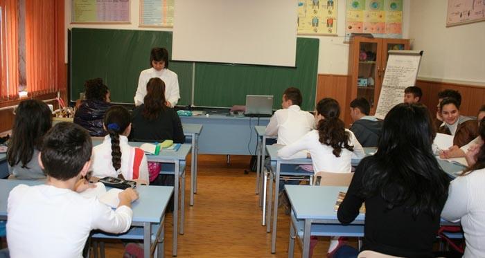 Au început Evaluările Naționale la clasa a VI-a