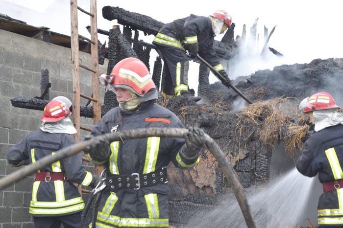 Șură din Livada, distrusă de flăcări