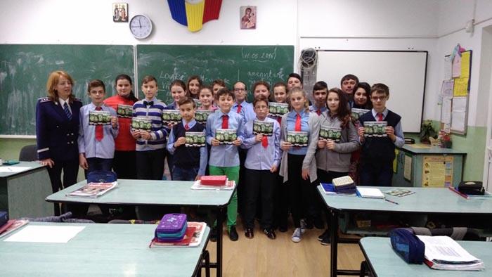 Lecții cu caracter preventiv la două școli din Satu Mare