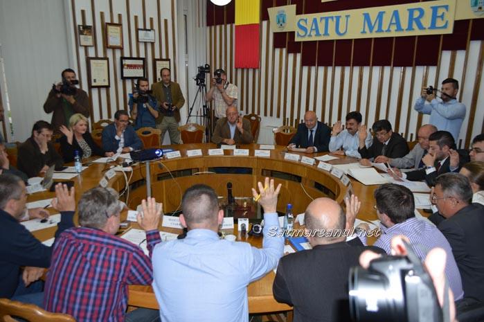Inaugurarea Teatrului, respinsă din nou în Consiliul Local